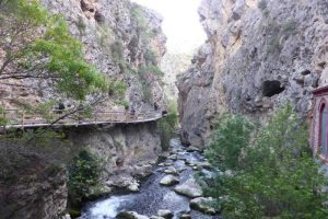 el sendero de la cerrada del río castril o de las pasarelas